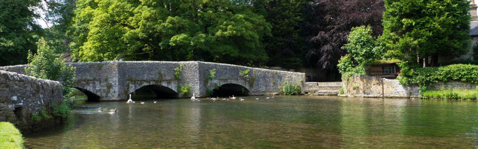river wye in ashford derbyshire